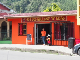 Hot Dog Gallery in Boquete, Panama